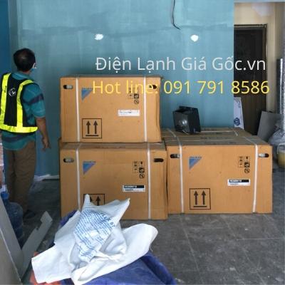 Lắp máy lạnh treo tường công trình CocKtail, Q.1